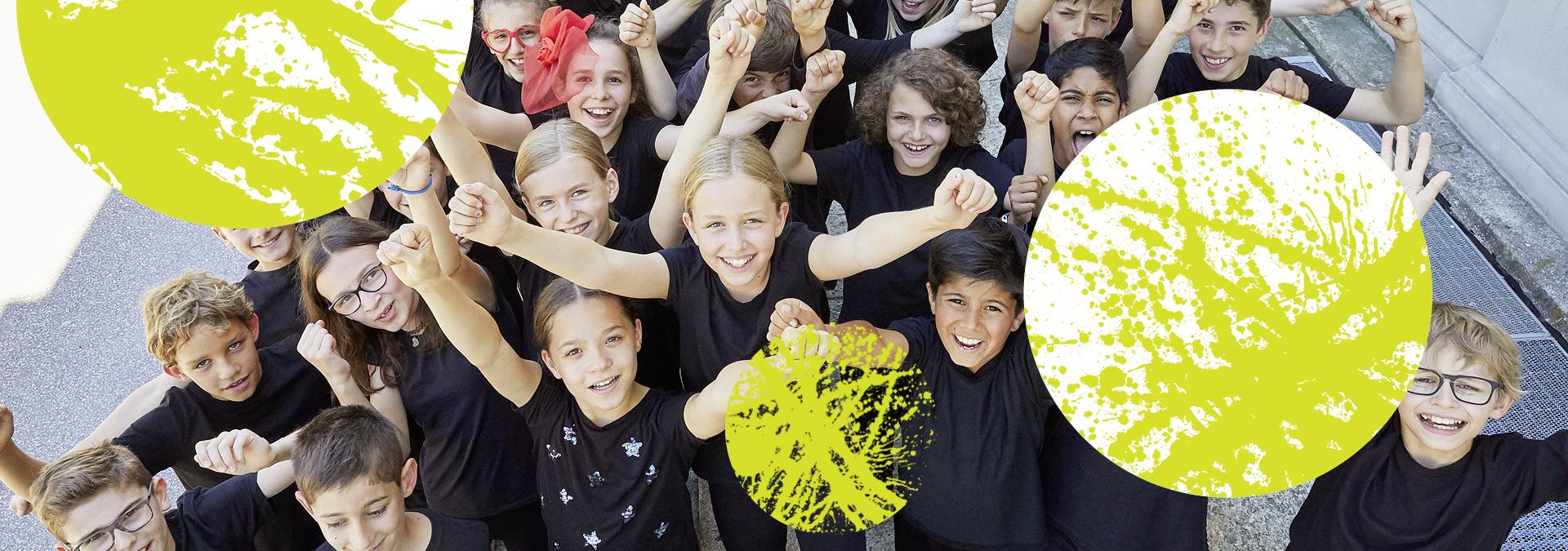 Kinder jubeln und gelbe Kreise im Bild